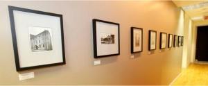 pic2 300x124 Couloir décoré avec des photos historiques du bureau St Gabriel